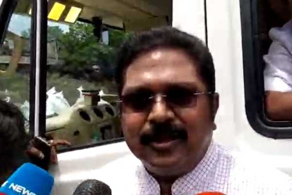 not-opposed-to-hindi-we-are-blocking-the-hindi-stuffing-ttv-dinakaran
