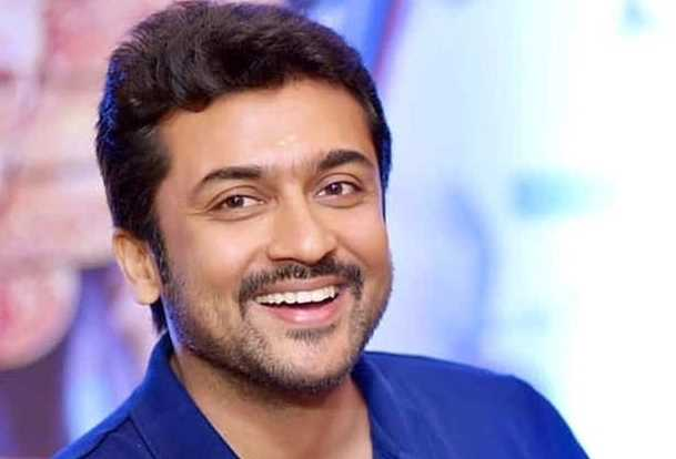 surya-fans-who-donated-helmets-to-150-motorists