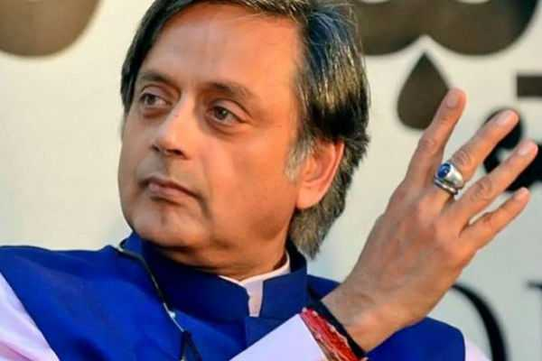 prime-minister-deserves-to-be-respected-when-he-represents-our-nation-in-foreign-countries-shashi-tharoor