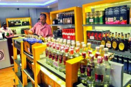 police-ordered-to-close-liquor-stores-from-10-pm-in-pudhucherry