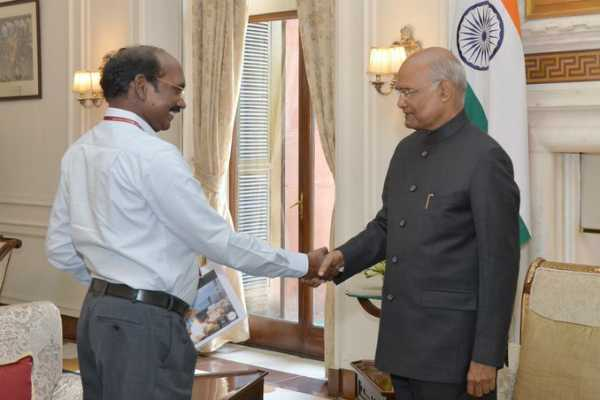 isro-chief-sivan-meets-president-of-india