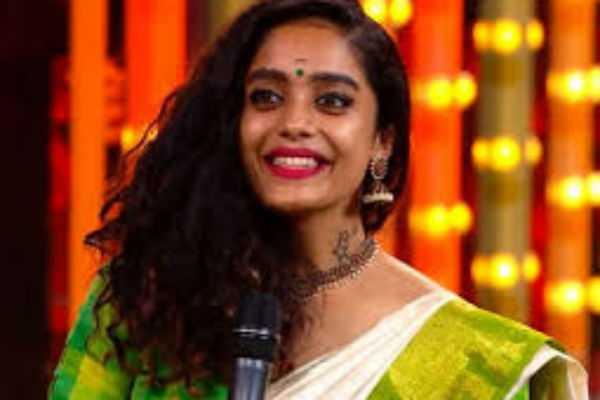 bigg-boss-tamil3-abhirami