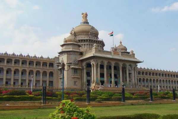 ec-announces-new-date-for-bypolls-to-15-karnataka-assembly-seats-as-sc-hears-disqualified-mlas-pleas