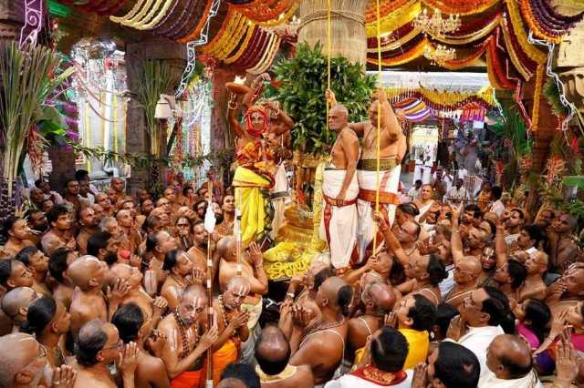 in-tirupathi-the-festival-began-with-the-flag