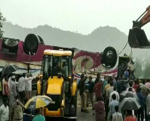 bus-topples-21-killed-in-bus-accident