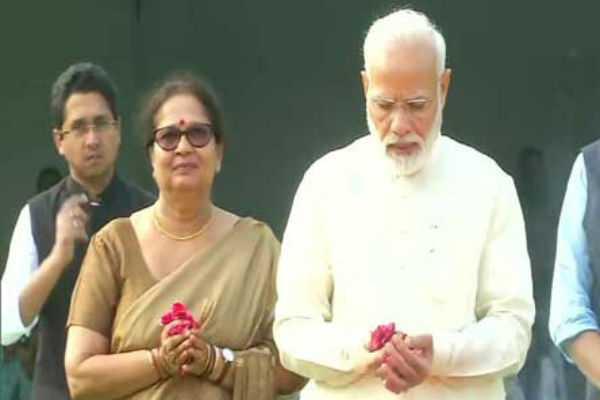 gandhi-jayanti-leaders-courtesy-in-gandhi-memorial