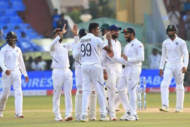 day-2-india-declare-at-502-south-africa-39-3