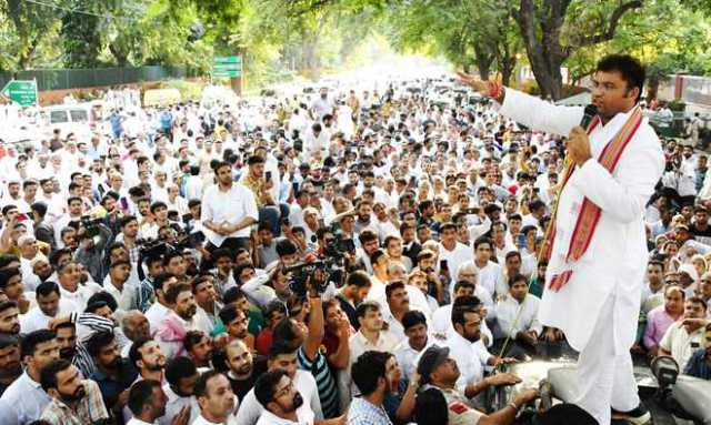 ahead-of-haryana-and-maharashtra-polls-congress-face-lots-of-protests-from-their-own-party-members