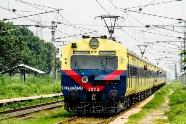 memu-trains-to-erode-and-salem