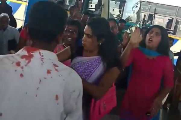 trichy-transgender-people-attack-young-man
