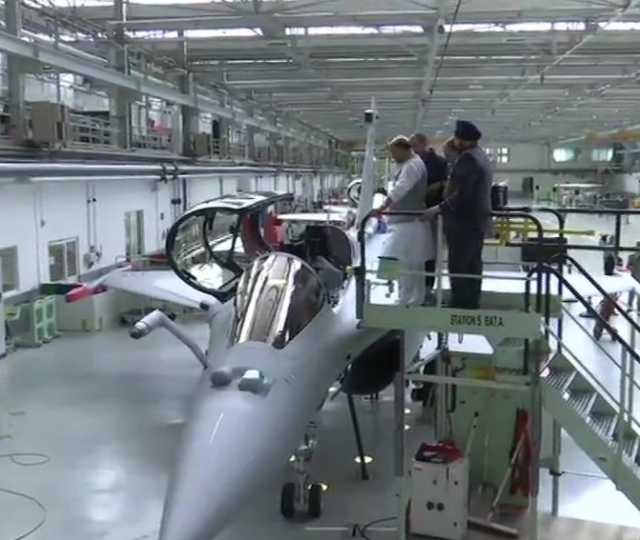 rafale-fighter-plane-handed-over-to-india