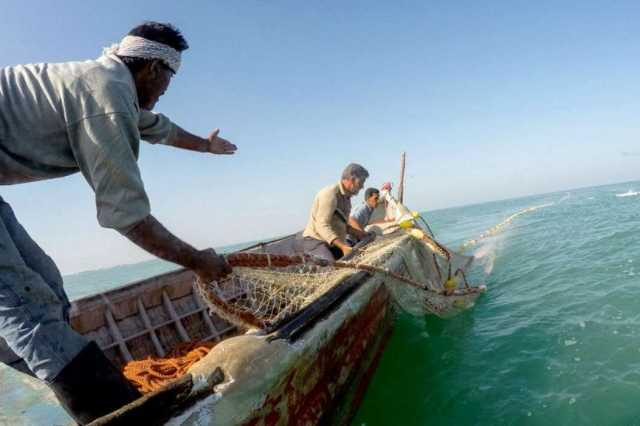 chinese-president-to-visit-the-fishermen-go-out-to-sea-barrier