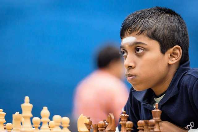 gold-at-the-world-championships-chess-praghranananda-in-the-greeting-rain