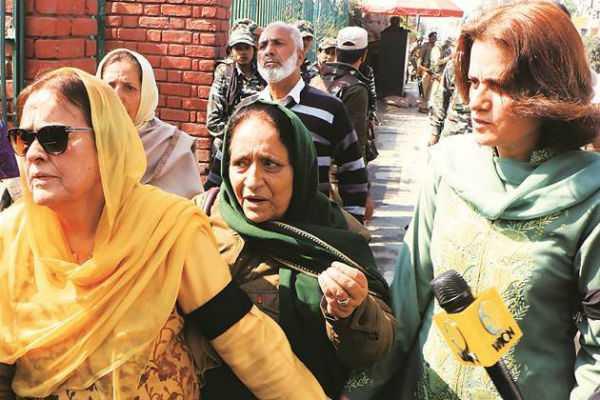 farooq-abdullah-s-daughter-got-arrested