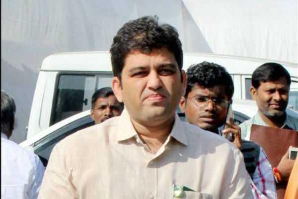 harshavardan-points-out-against-shivsena-leader-uddhav-thackeray
