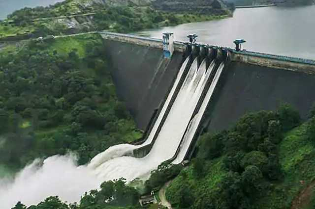 water-opening-from-mullaperiyar-dam