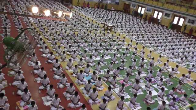 private-school-students-did-yoga-world-record-in-trichy