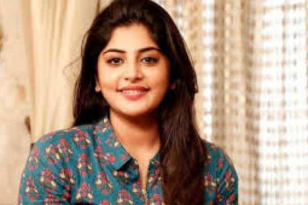 accident-to-actress-manjima-mohan