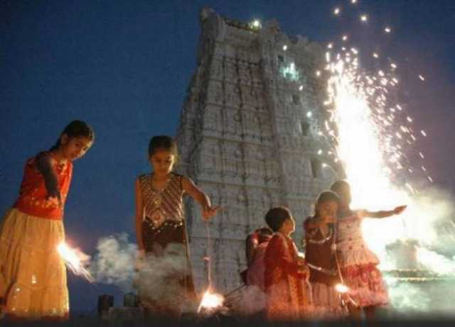 why-we-use-crackers-in-diwali