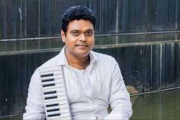 the-famous-composer-who-congratulated-harris-jayaraj