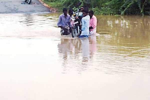 namakkal-ground-bridge-submerged-in-rain-water