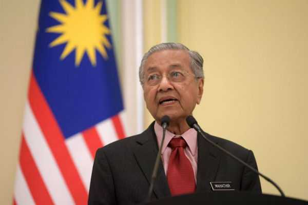 won-t-retract-kashmir-remarks-will-study-palm-oil-boycott-by-indian-traders-malaysia-pm