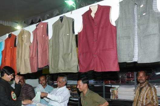 students-should-wear-khadi-clothes