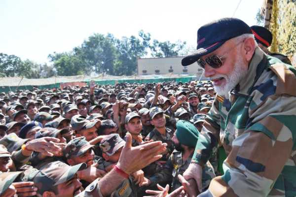 pm-celebrated-diwali-with-the-brave-soldiers-of-the-indian-army