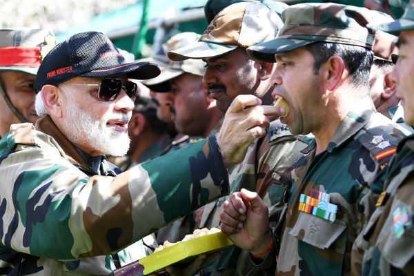 pm-modi-celebrates-diwali-with-army-soldiers