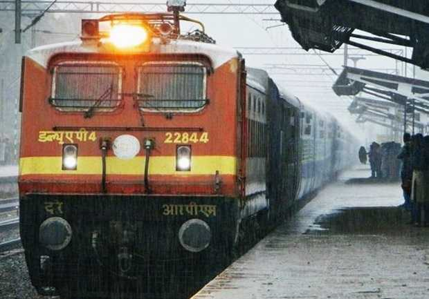 special-trains-for-sabarimala-and-christmas