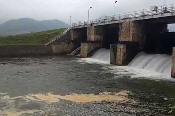 chief-minister-directs-to-open-water-in-manjallar-dam