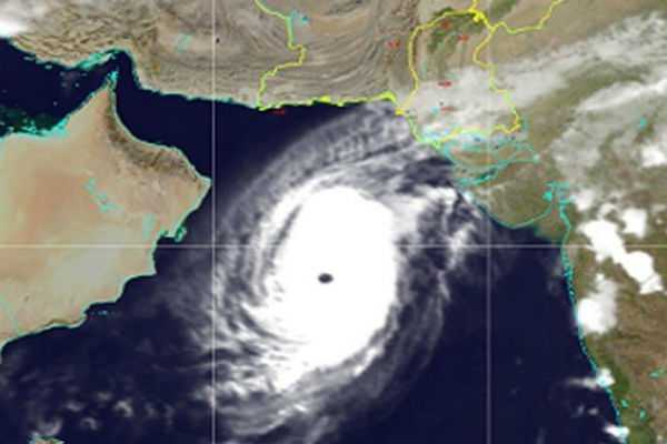 cyclone-maha-moves-towards-gujarat