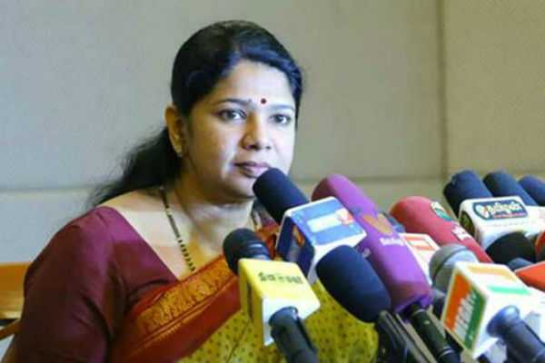 no-wrong-to-learn-another-language-kanimozhi