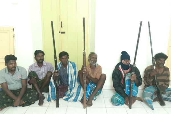 six-arrested-for-trying-to-hunt-wildlife