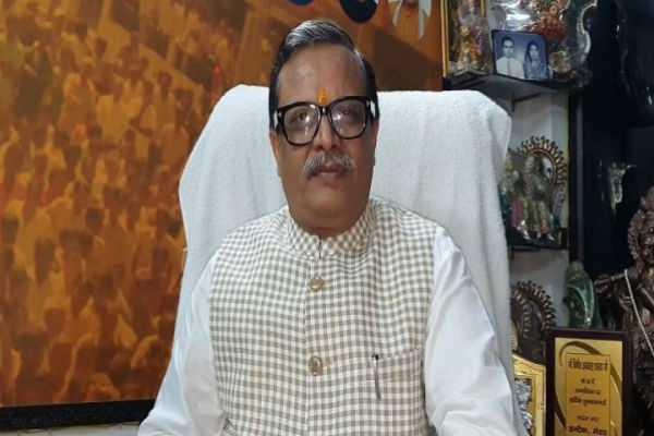 modi-krishnan-and-amit-shah-arjunan