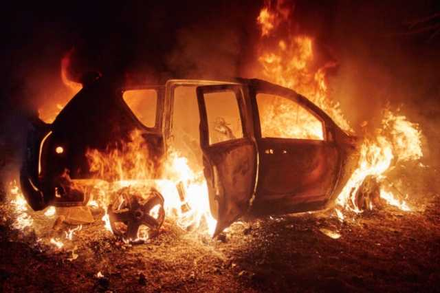 car-on-fire-in-chennai-2-people-survived
