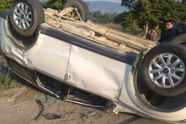 bjp-mp-from-garhwal-tirath-singh-rawat-s-car-met-with-an-accident