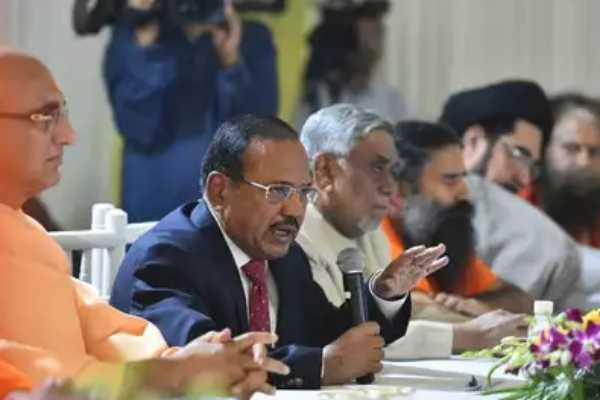 nsa-ajit-doval-meets-hindu-muslim-religious-leaders-discusses-ways-to-maintain-peace-after-ayodhya-verdict