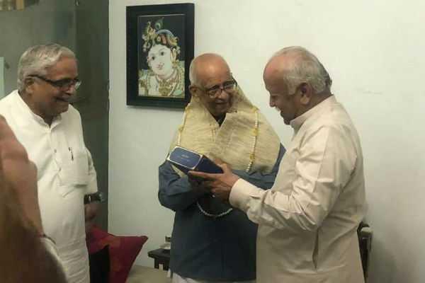 rss-sarsanghachalak-dr-mohan-bhagwat-met-sr-counsel-of-supreme-court-k-parasaran