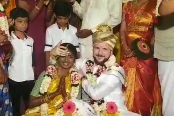 german-teenager-kongu-girl-were-married-in-tamil-culture