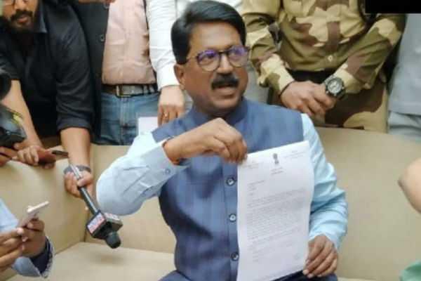 president-accepts-shiv-sena-mp-arvind-sawant-s-resignation