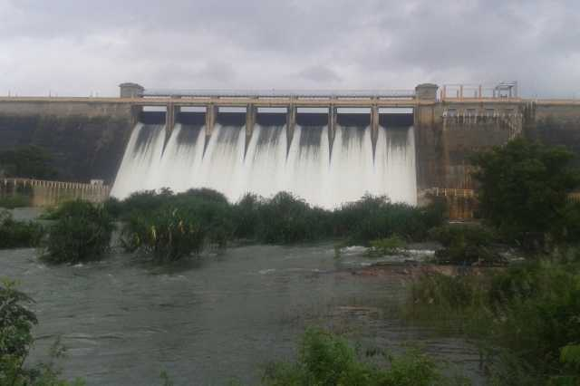 in-order-to-open-the-dam-water-manimuttaru