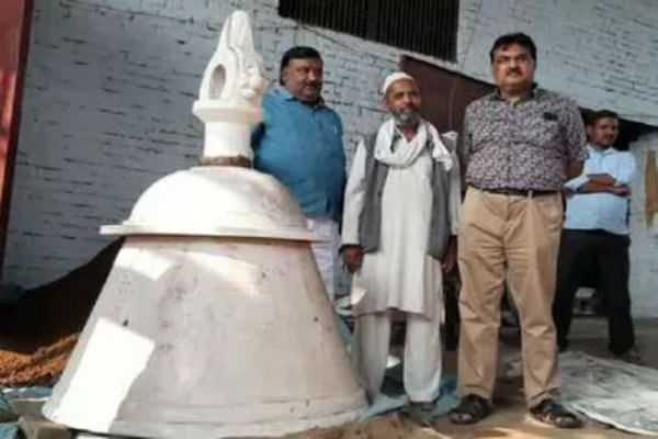 for-ayodhya-s-ram-temple-muslim-craftsman-builds-2-100-kg-huge-bell