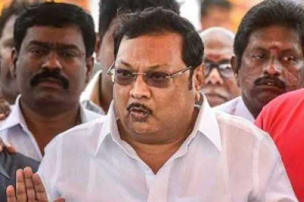 rajini-s-statement-that-there-is-a-political-vacuum-is-true-azhagiri