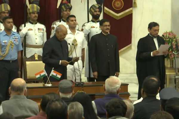 justice-sharad-arvind-bobde-takes-oath-as-chief-justice-of-india