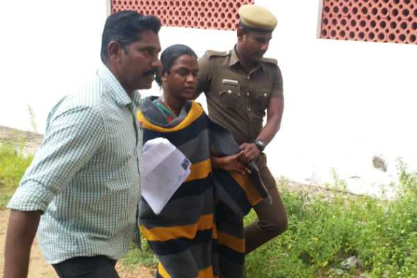 graduate-transgender-suicide-attempt-in-trichy-collector-office