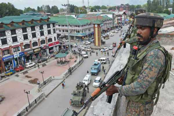from-2-653-in-2016-to-551-so-far-this-year-stone-pelting-incidents-in-valley-lowest-in-3-years