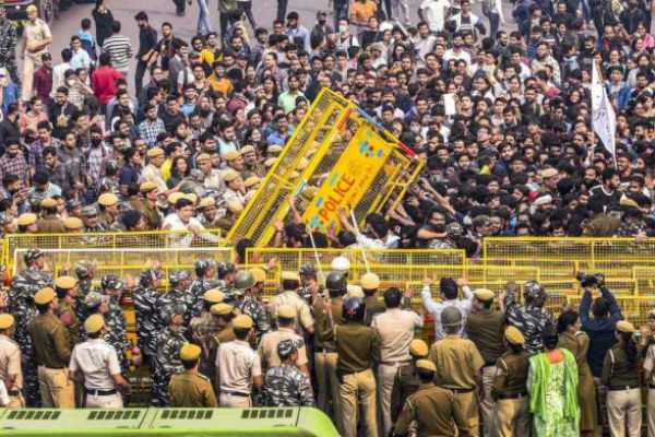 section-of-jnu-teachers-condemns-student-protests-over-reports-of-violence-and-hooliganism