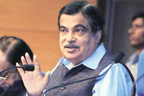 nitin-gadkari-takes-a-jibe-at-shiv-sena-congress-ncp-alliance-says-their-govt-won-t-last-six-months