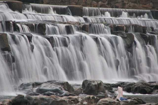 allow-bathing-at-kodiveri-falls